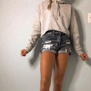 H&M Cropped sweatshirt (i'm 5'0)